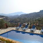 Heerlijk zwembad en prachtig uitzicht!
