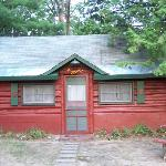 Doghouse Log Cabin