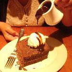 BIG MOUNTAIN CHOCOLATE FUDGE CAKE (THE HOT TOPPING)