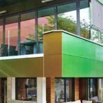 Oben Restaurant, unten Terrassen-Lounge