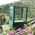 ascensore panoramico per scendere e salire dalle camere ....