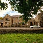The Devonshire Arms is nestled behind Goose Green in the Nether End area of picturesque Baslow.