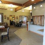 Lobby area with free breakfast