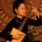 World Master Pham Thi Hue with Day instrument