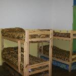 habitacion de 8 camas