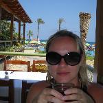 В ресторане на веранде, потрясающий вид на море!