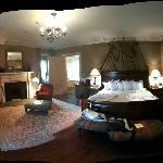 A panoramic shot of room 19