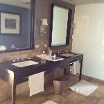 Bathroom Suite 2401