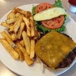 Cheesburger Deluxe.