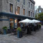 Lower entrance on Rue Saint-Pierre