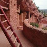 View the dwellings as the Anasazi did