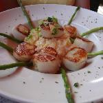 Seared Scallops over Lobster risotto