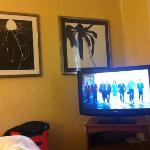 excelentes tvs de 32 polegadas nos 2 quartos e na sala