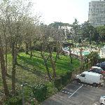 dall'hotel parcheggio interno e piscina