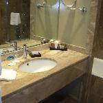 Becken im Badezimmer
