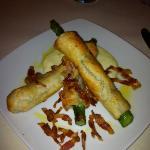 asparagi con pancetta croccante.