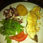 filetto al formaggio di malga e nocciole