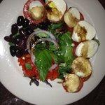 Fellini Cafe, caprese salad