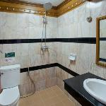 Marble bathrooms with double Rain Shower, hot water