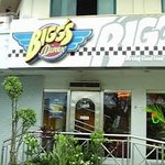 Facade of Bigg's Diner.