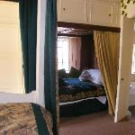 The Medieval Garden room with cabin bed and ensuite bathroom