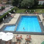 Foto de la piscina del hotel