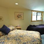 The Hideaway Guestroom w/ King and Single-size beds