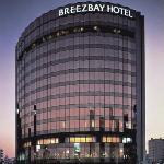 Breeze Bay Hotel Resort & Spa