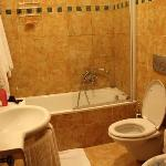 Bathroom (comfortable-clean)
