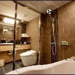 Superior Twin / Bath Room