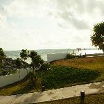 contraste selva y mar desde el balcon