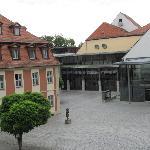 Blick aus dem Hotelfenster: Theater