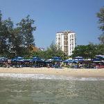 plage devant hotel vue de la mer