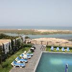 piscine, lagune et océan vus de la chambre
