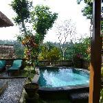 le pool de notre villa