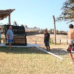 Montando el catamarán de la Pousada Gran Playa
