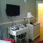 TV, Desk Area