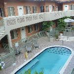 hotel avec sa piscine