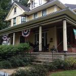 Harker House Inn