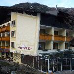 Hotel od strony stoku