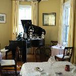 The Breakfast / Tearoom