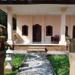 Blick von Pool Richtung Zimmer (Villa)