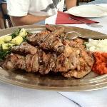 Plato de carne a la parrilla