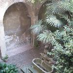 Hotel Orchidea courtyard