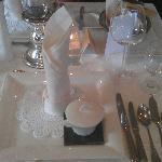 So edel war unser Tisch täglich gedeckt. Es gab aber täglich eine andere Tischdekoration.