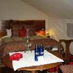 Tent 12 with en-suite