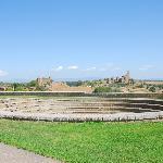 Tuscania, San Pietro e Santa Maria Maggiore viste dal Parco di Lavello