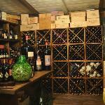 All'interno del ristorante vi è l'enoteca con un'ottima scelta di vini Abruzzesi ed Internaziona