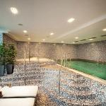Swimming Pool, NH Gate One