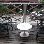 balcony,smoke free